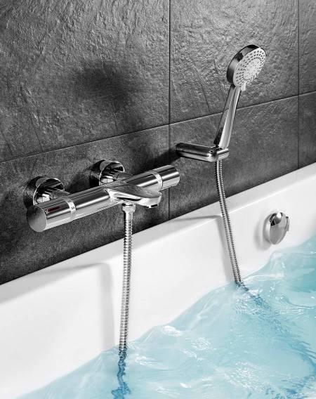 Grifería termostática T-1000 de Roca para bañera