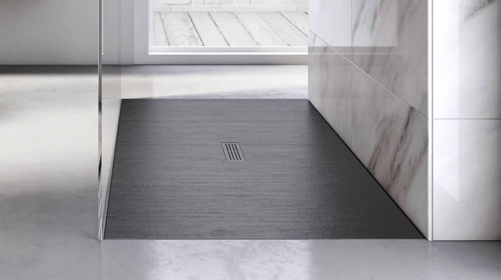 Plato de ducha Helios de Stonex® en acabado negro