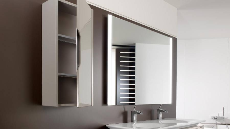 Multiplica el almacenaje instalando muebles de baños auxiliares