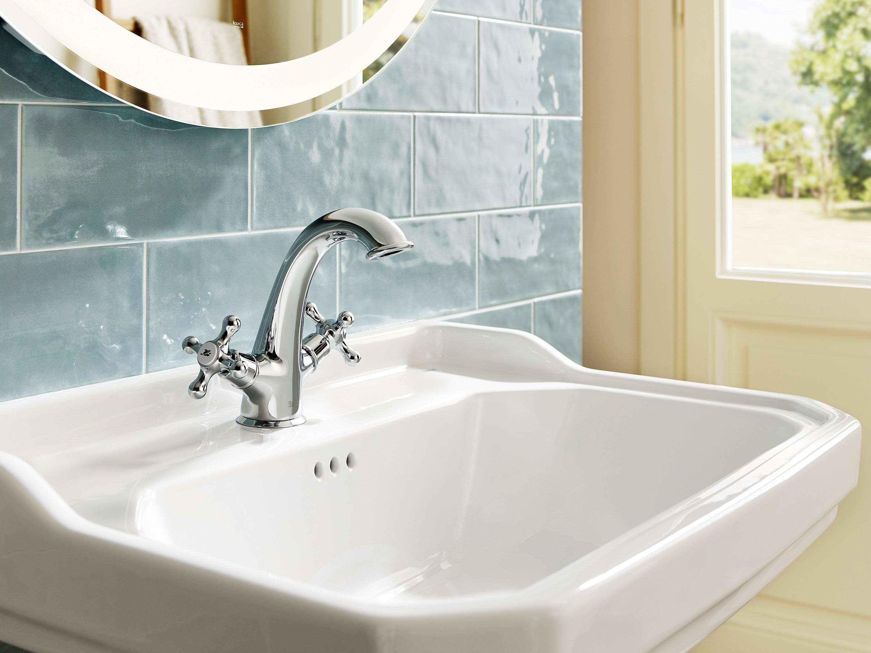 Grifos bimando, elemento esencial en el lavabo vintage │ Roca Life
